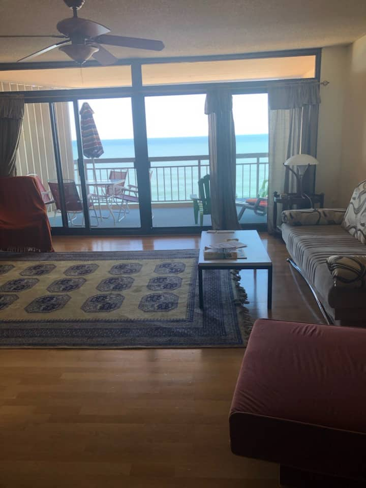 Spacious Direct Oceanfront 1BR Condo w/Balconies