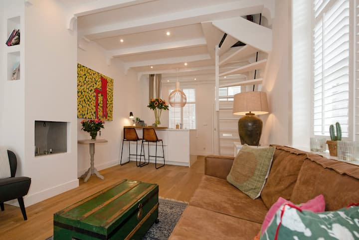 Newly renovated 18th century town house in centre