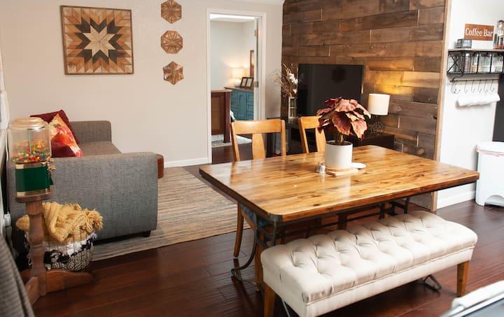 Flagstaff Hometel Suites! #1 Mountain Getaway