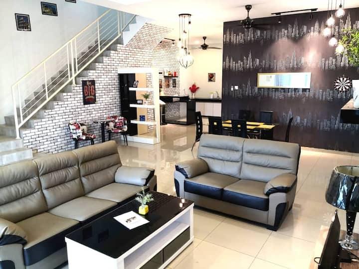 15Pax Modern home LumutBBQ/10min to beach/Worktrip