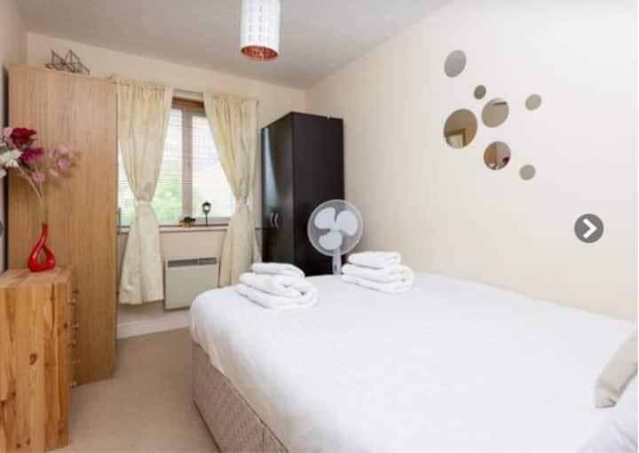 Affordable Doubleroom & Bathroom near Canary wharf