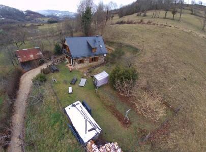 Grange indépendante . Gr jardin. v 360 °.WIFI Grat