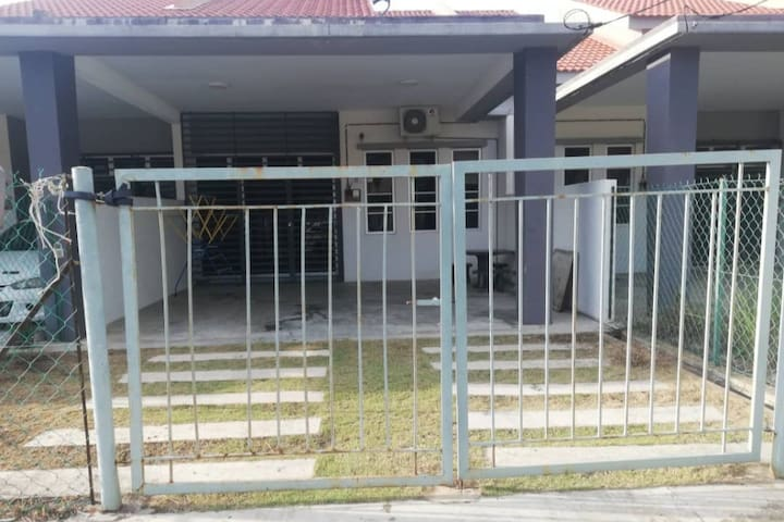The Eleven Guest House @ Balok, Sg Karang, Kuantan