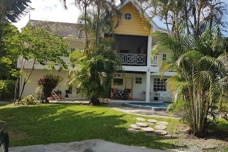 Palm Breeze Villa can sleep 1-5 persons.