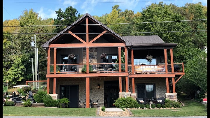 Lake Barkley Shoreline Vacation Rental