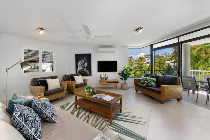 'Naousa II' Apartment 5, Little Cove