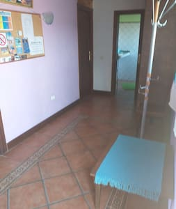 Eingang mit Zugang zum Bad und Schlafzimmer