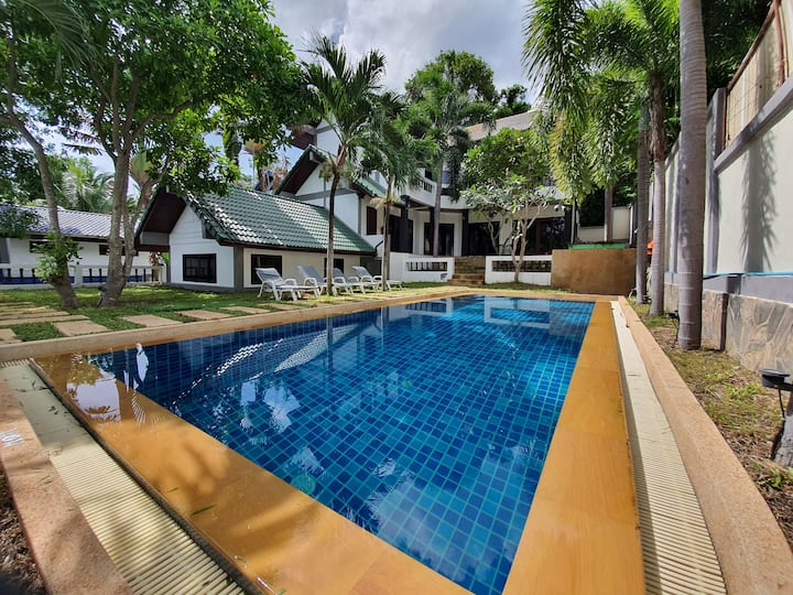 Villa Feng Shui 5 Bedrooms, 6 Bath in Chaweng Town