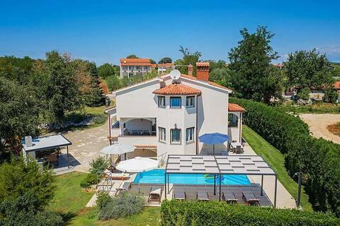 Villa Eufemia, Porec