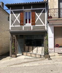 Entree et terrasse de l'appartement