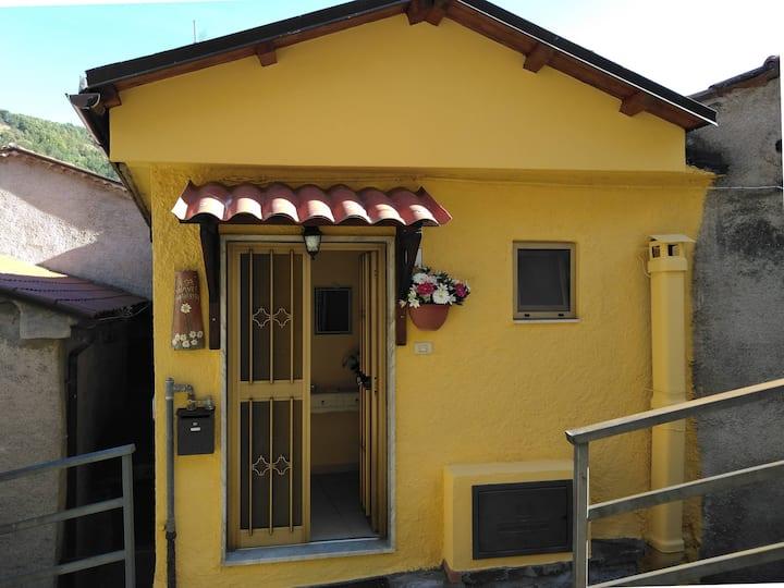 """Casa Vacanze """"Margherita"""", tra le montagne lucane"""