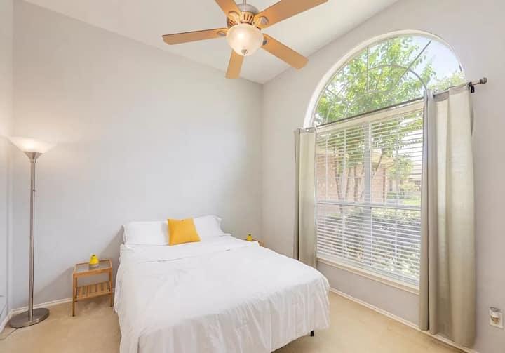 Classy & Elegant- Single Room