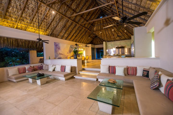 Gorgeous Beach Villa with Lap Pool, Cook & Staff