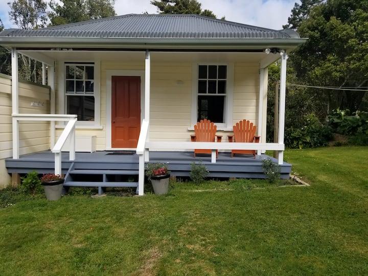 Ngaruawahia /Hamilton Anderson Cottage  Sheep farm