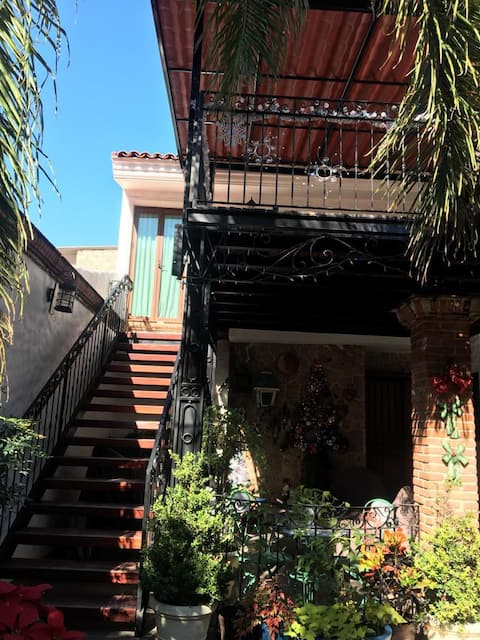 Villa Linda, Gated Community El Palomar
