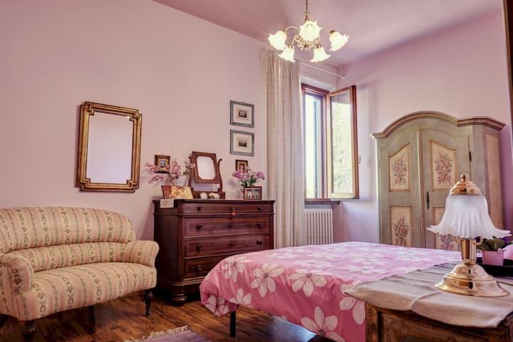 """Podere Orbignano_"""" Botticelli Room"""""""