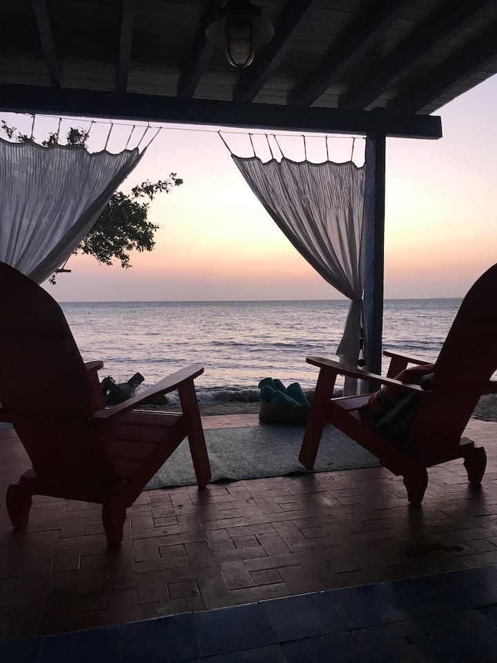 Gorgeous Private Beach House, Isla de Baru