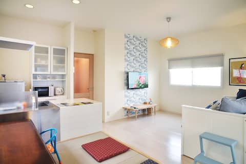 2 bedroom bright suite (50sqm)8min walk TenjinSta