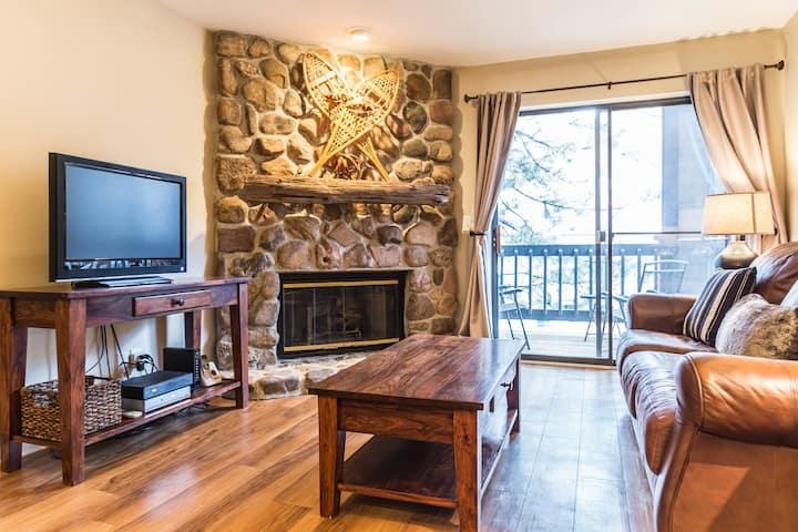 Designer One-Bedroom Condo Near Downtown Boulder!
