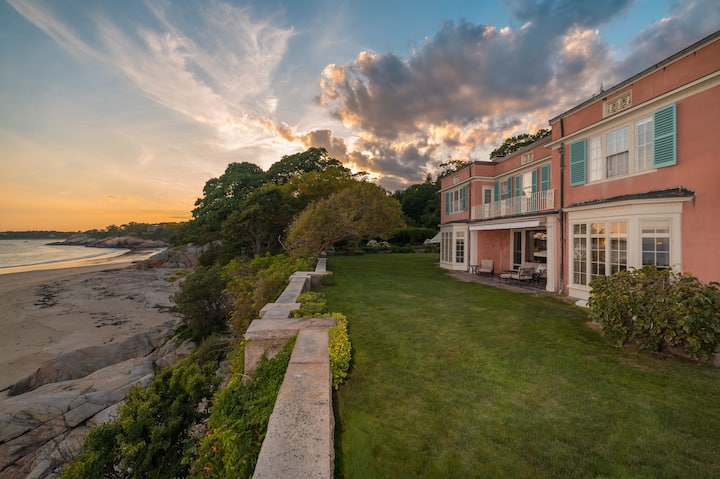 Private Beachfront Estate - Grafton