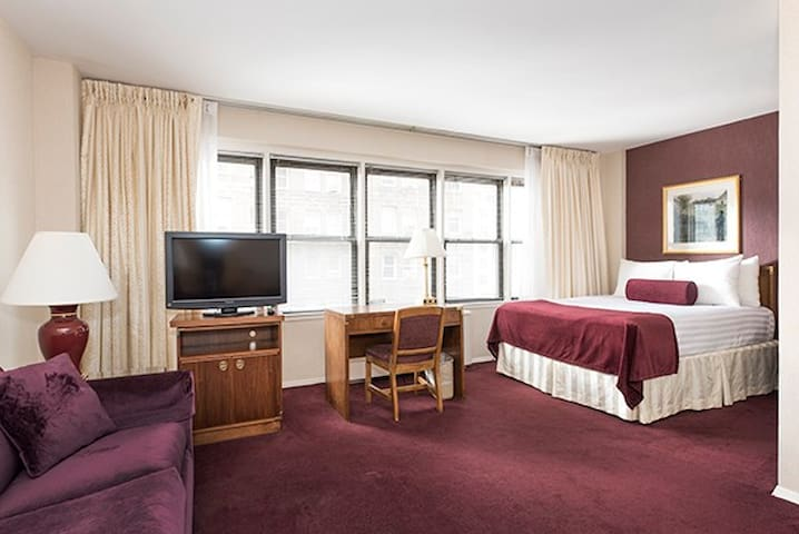 Superior Junior 1 bedroom apt. in the heart of NYC