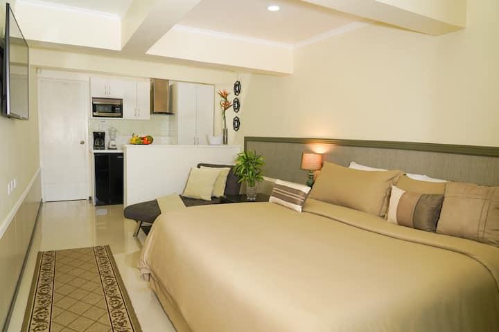 Luxury Palm Beach Suite 5min to the Beach&Marriott