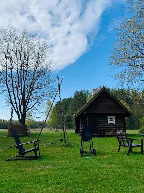 Small log house with sauna (Hallika)