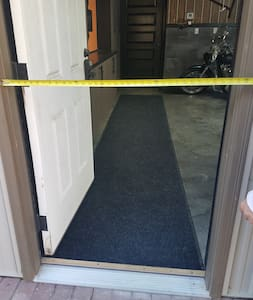 "No steps into the entrance and a 36"" wide door."