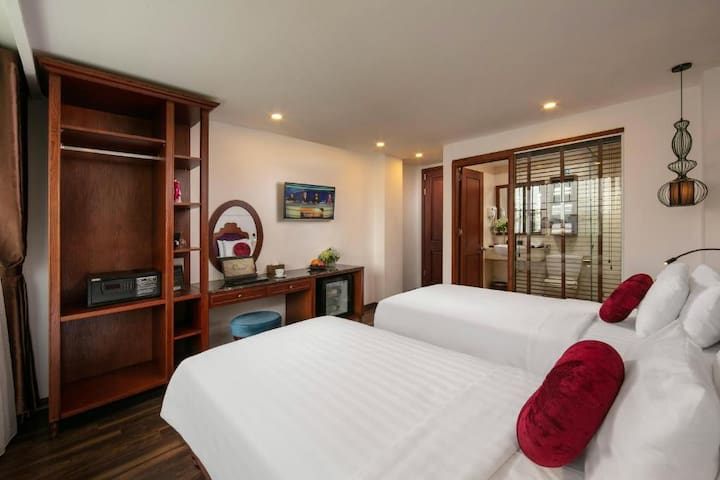 Hotels In Hanoi Old Quarter/ Twin Bed/ Private