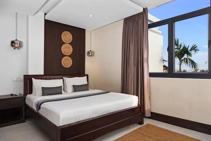 High Floor Deluxe Room Without Balcony (Breakfast)