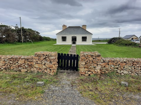 Grove Cottage, Corclough East