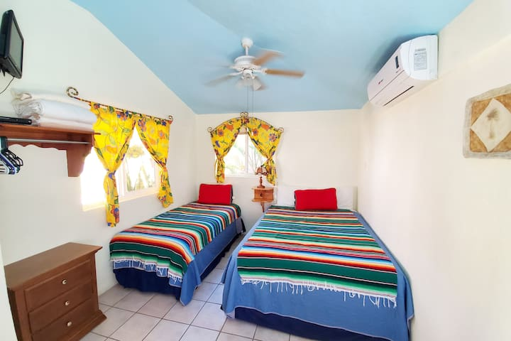 This Cabaña features both a Queen and a Twin bed, perfect for a small family or two fishing buddies.