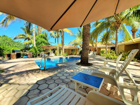"""""""Coco Cabana #6"""" - Quiet, Pools, Close to Downtown"""