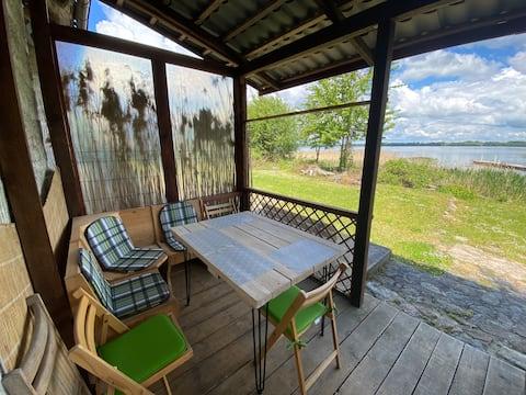 Dom z tarasem 10 metrów od jeziora