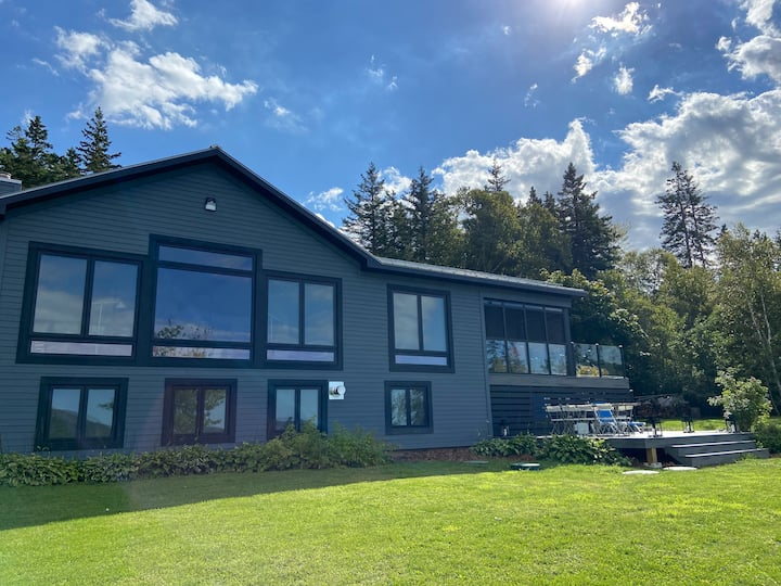 Stunning waterfront home on the Bras d'Or