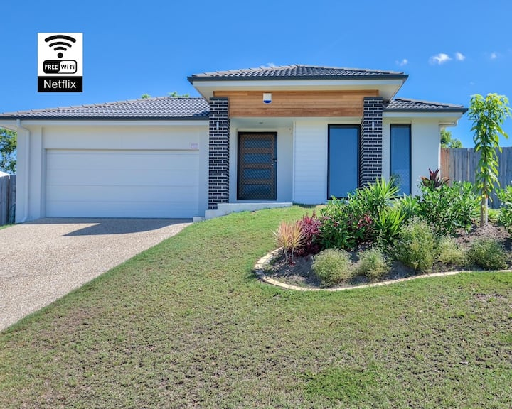 Great Value Home near Theme Parks&Shopping Centres