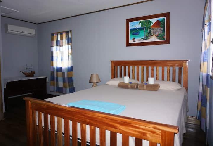 Cabin in San Ignacio Town +Gold Standard Certified