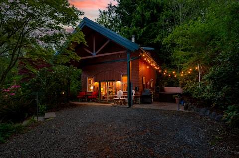 Sunrise Cabin at Lake Leland