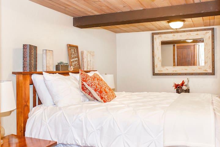 Bedroom 1 Queen sized bed