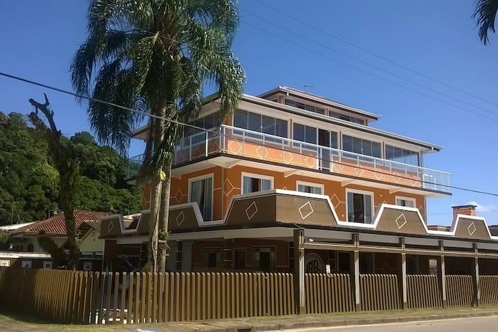 HOSPEDARIA TÔ EM CASA - DOMICILIAR