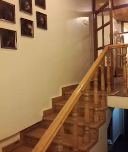 There are about 12 wide steps to reach the top floor.
