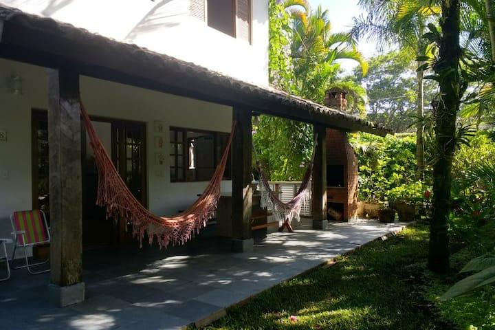 Casa Boiçucanga - cond fechado frente a praia