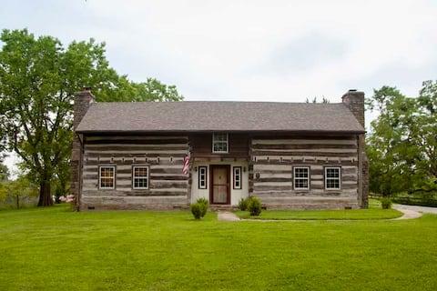 Historic Log Cabin - Farm - Near RRG and Lexington