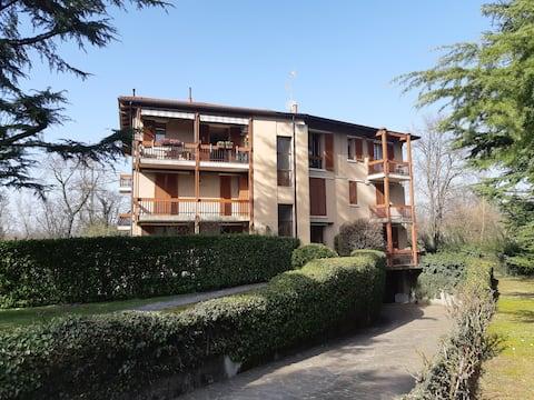 Elegant flat in the green Brianza