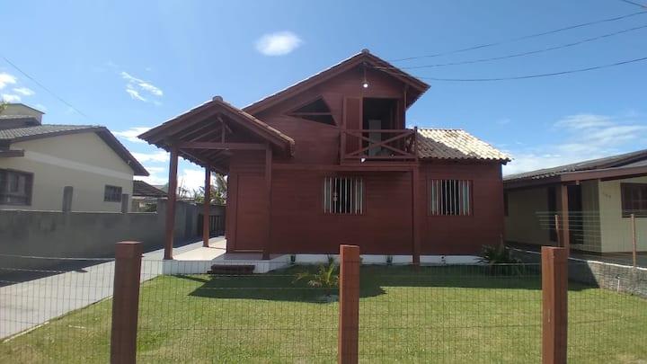 Casa rústica  Sobrado Balneário Arroio Do Silva-SC