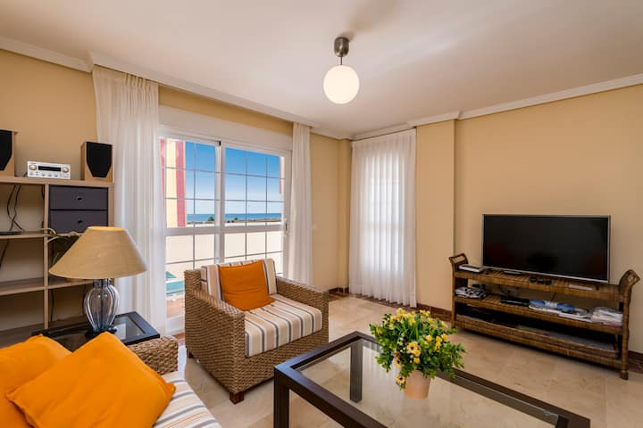 Apartment for 4-5 people only 100m. from the  beach