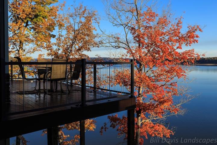 7 Bedroom Lake-Front Cabin near the Smokies! #2