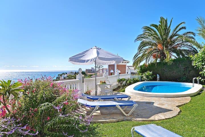 Amazing sea views and pool at superb private villa
