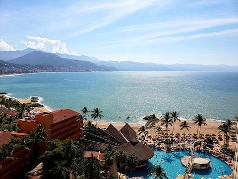 Oceanfront Resort Condo with Amazing View (#1433)