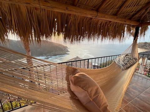 Bungalow Kuaa con hermosa vista al mar.